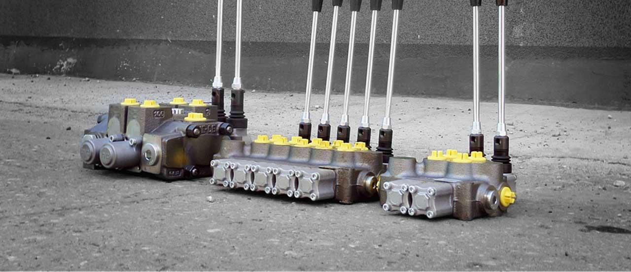 Rozdzielacze hydrauliczne do maszyn mobilnych